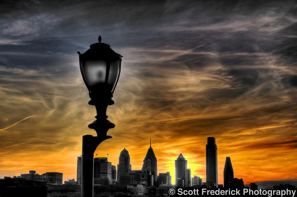 philadelphia-skyline-sunset-2